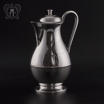 а. Кувшин из серебра «Греджио» без черни