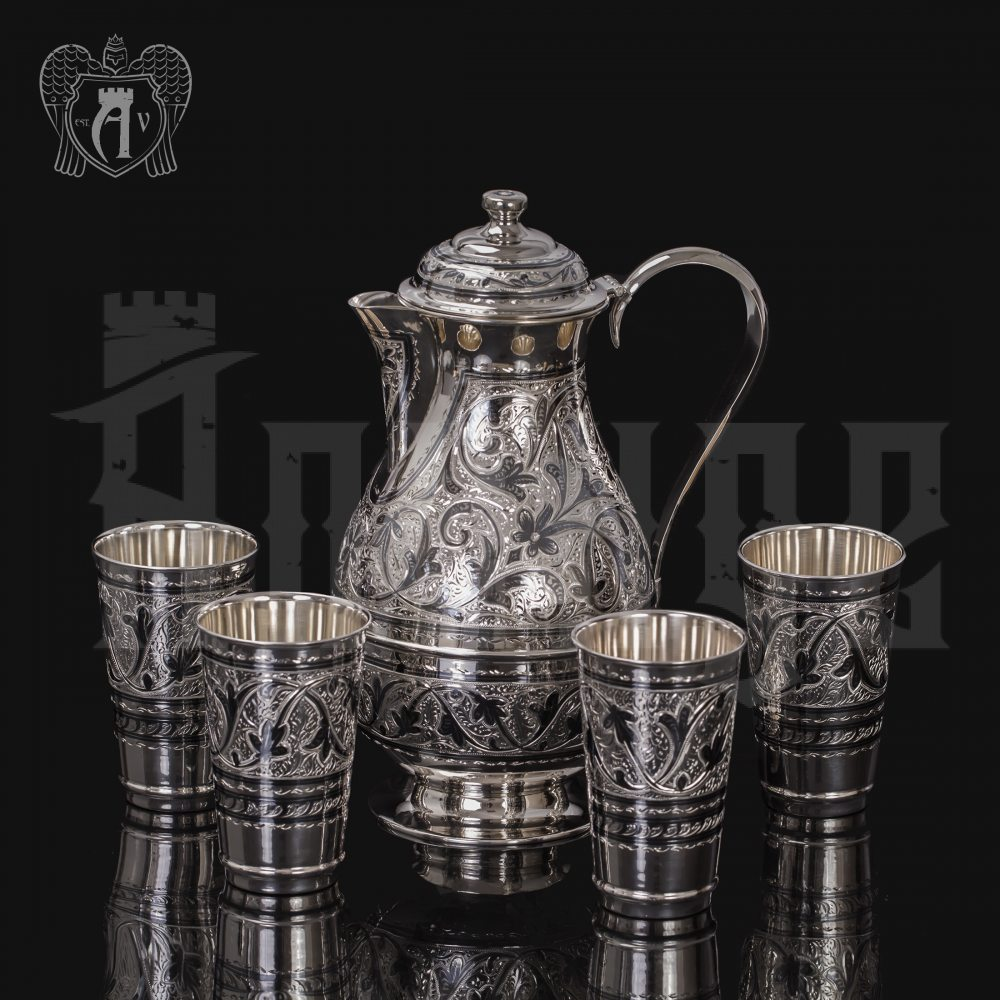 Серебряный кувшин и четыре стакана 925 пробы «Глоток свежести» Апанде,