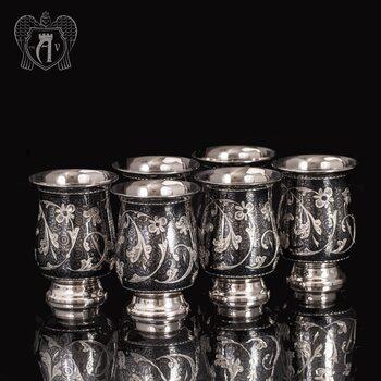 Набор серебряных стаканов «Георгин»