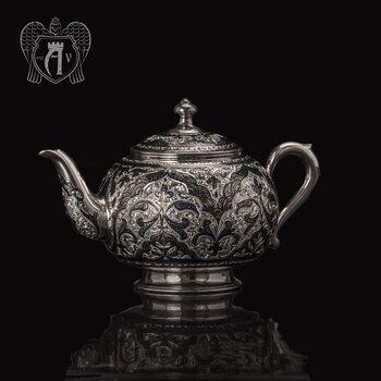 Серебряный чайник «Глория»