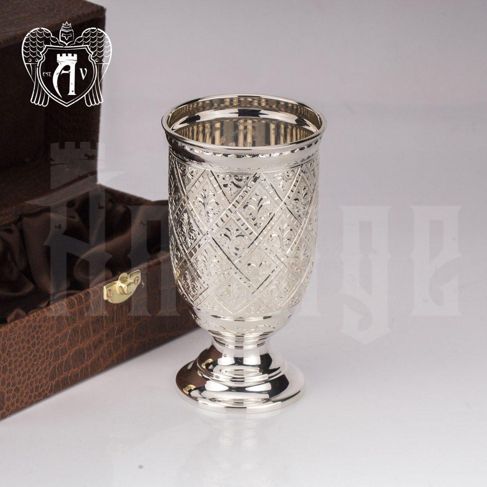 Кубок из чистого серебра 999 пробы «Оникс»
