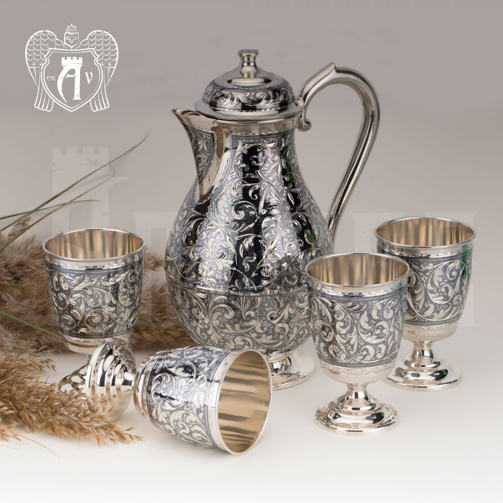 Кувшин и четыре стакана  из серебра  «Клио»