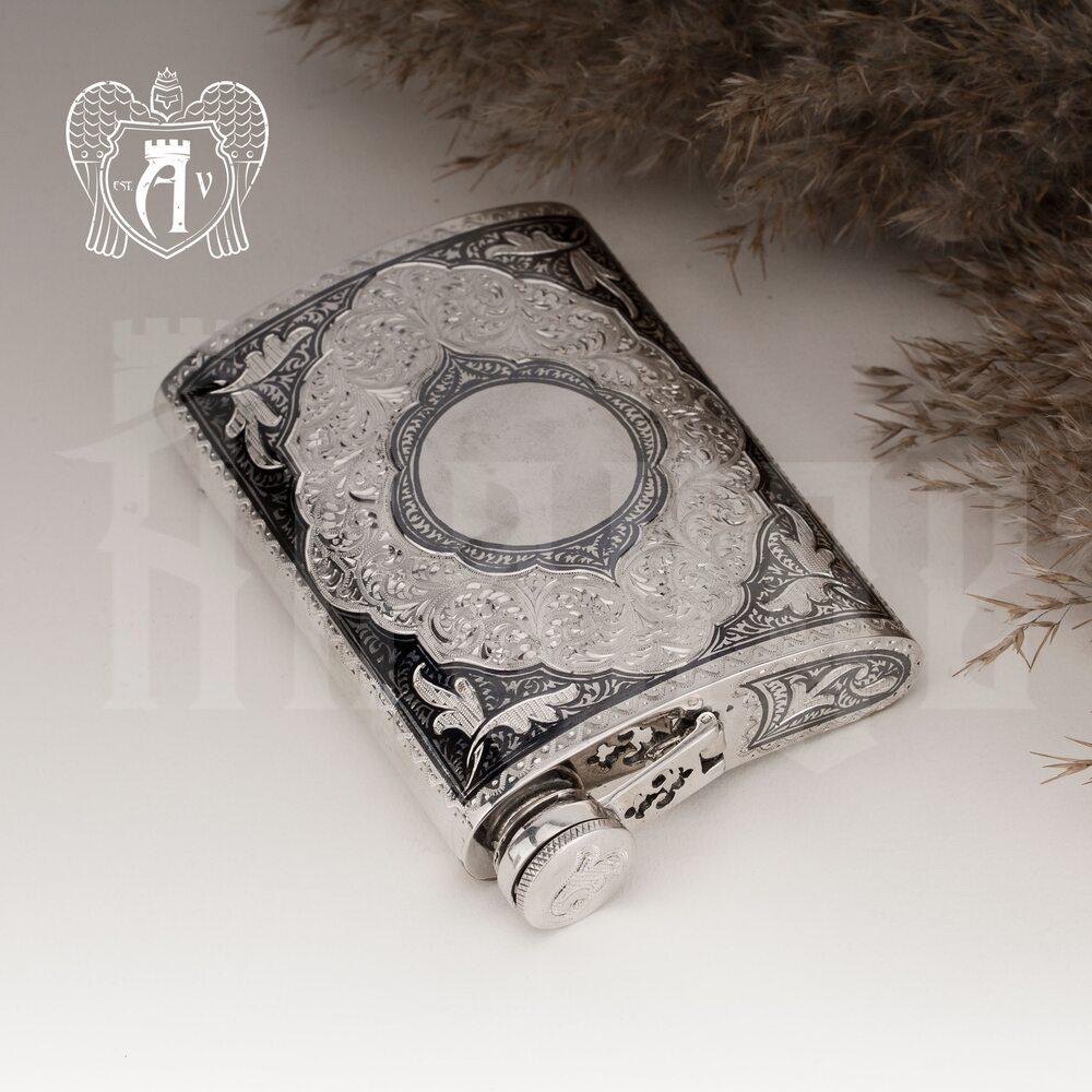 Серебряная фляжка «Шах»