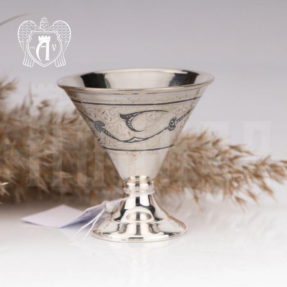 Серебряная рюмка «Сотби»