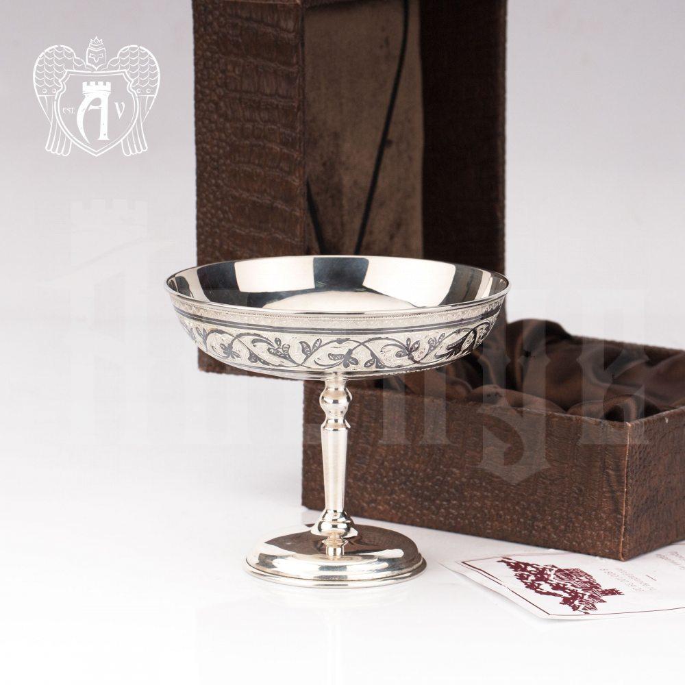 Конфетница из серебра  «Виноградная лоза»