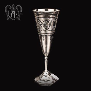 Большой бокал из серебра «Колосс»