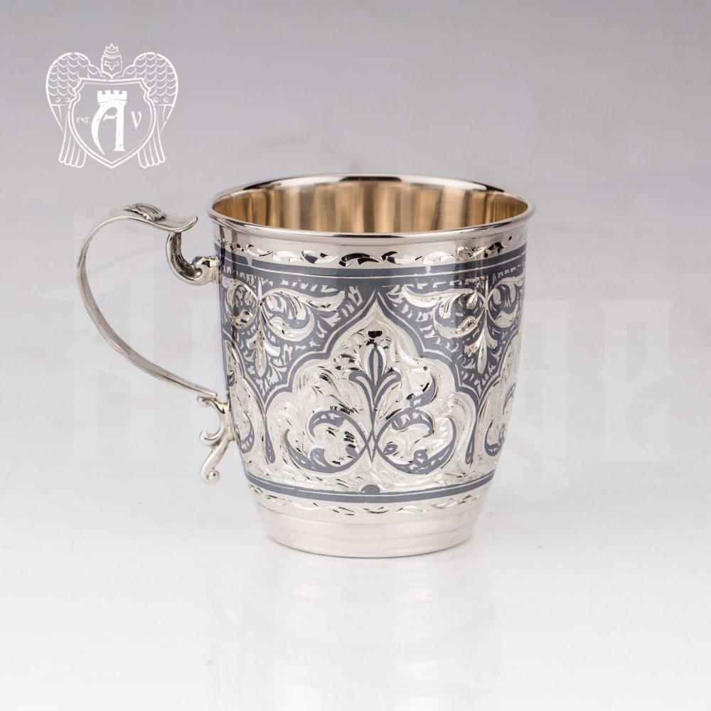 Кружка из серебра  «Патриция»