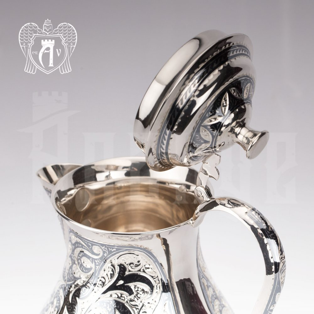 Кувшин из серебра  «Адриан» с крышкой на петле