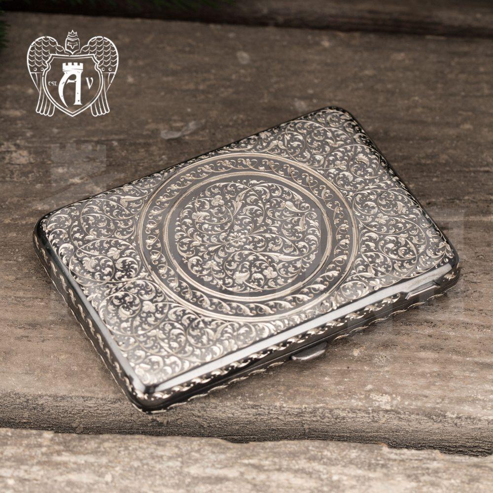 Портсигар из серебра «Морис»
