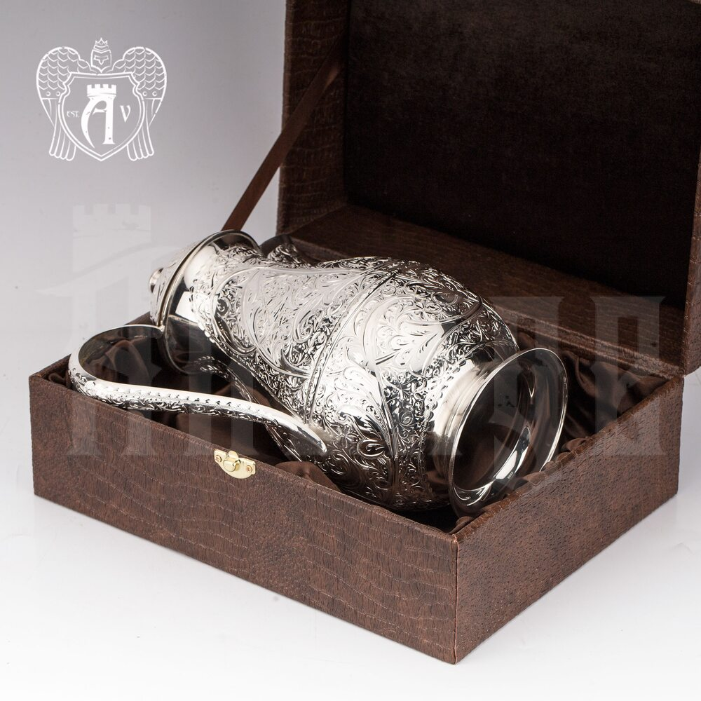 Кувшин из серебра «Бриз» без черни