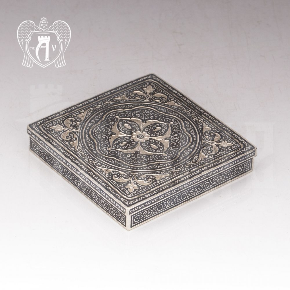 Портсигар настольный из серебра «Граф»