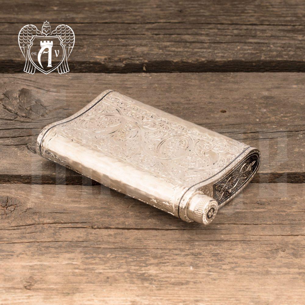 Серебряная фляжка «Шантарам»