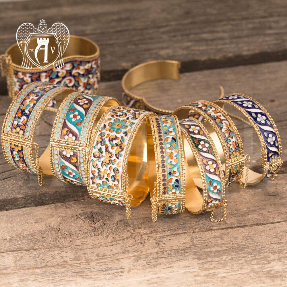 Браслет из серебра «Аннет» с позолотой и эмалью купить в магазине Апанде, 23000423161
