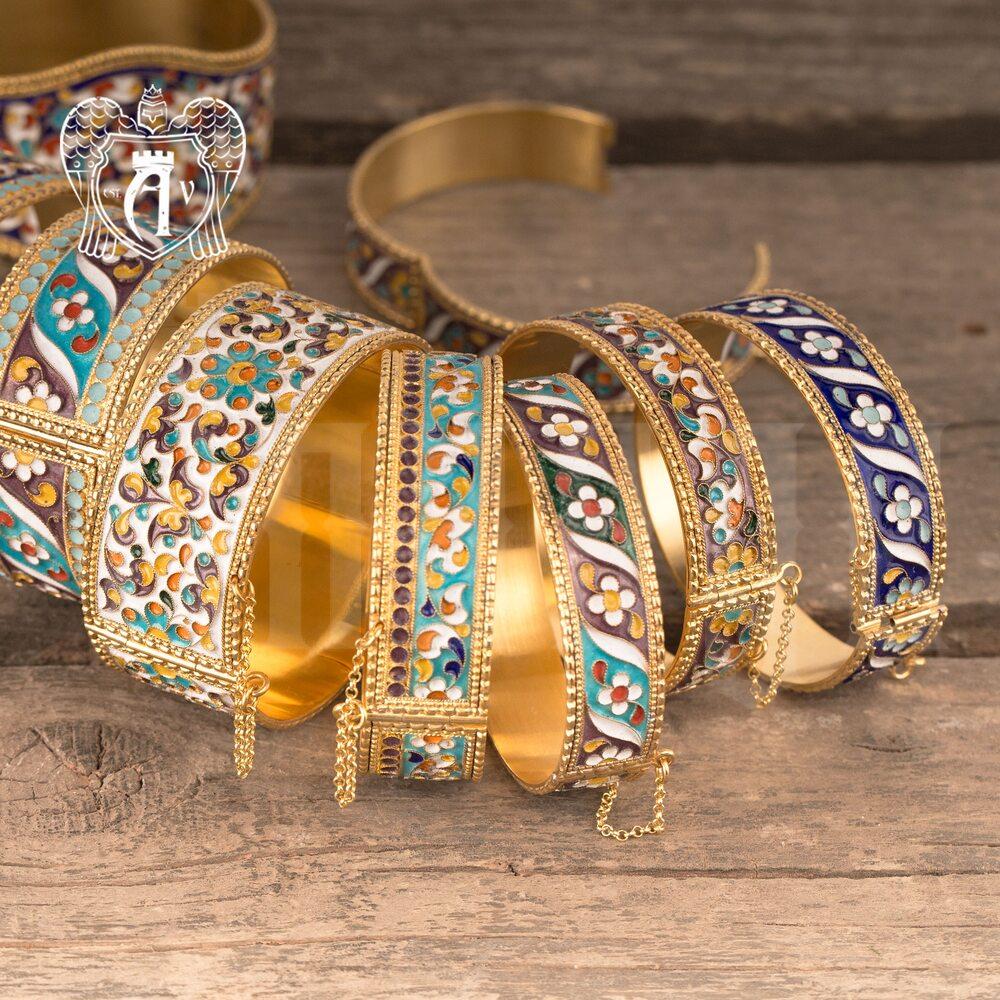 Браслет из серебра «Горянка» с позолотой и эмалью купить в магазине Апанде, 23000423167