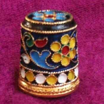 Наперсток из серебра с эмалью «Королевский»